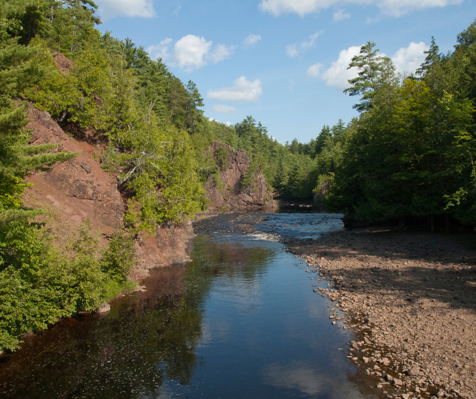 Complete Guide to Copper Falls State Park